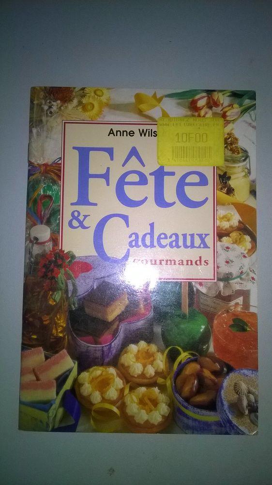 Livre FETE ET CADEAUX GOURMANDS Broché Anne Wilson NEUF Livres et BD