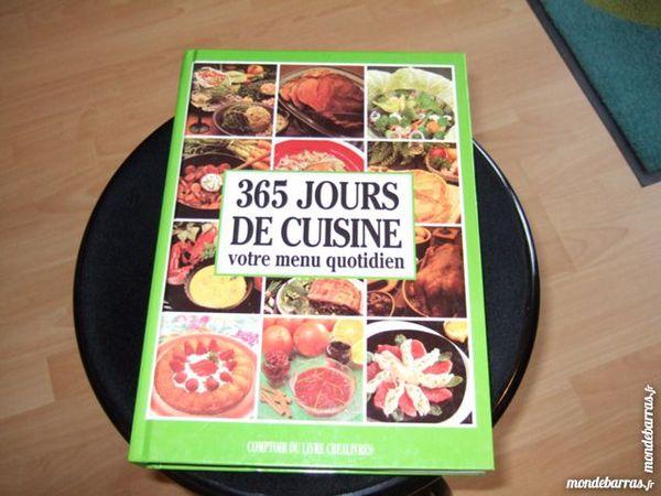 Livre   365 jours de cuisine    375 pages 9 Triel-sur-Seine (78)