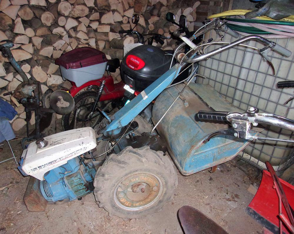 LIVRÉ PARTOUT : motoculteur STAUB d'occasion avec ses outils 550 Altkirch (68)
