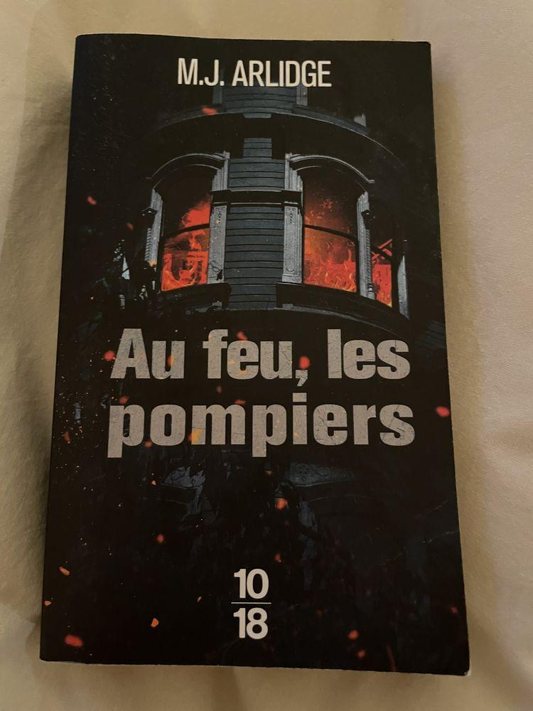 Livre de poche policier. Au feu les pompiers  4 Pontault-Combault (77)