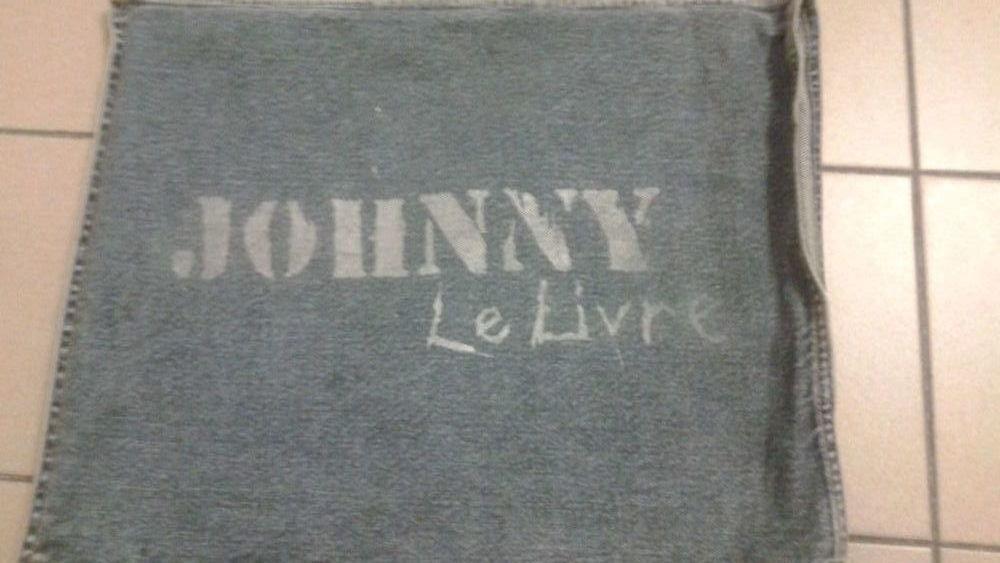Livre Fer Et Pochette Jeans Johnny Hallyday