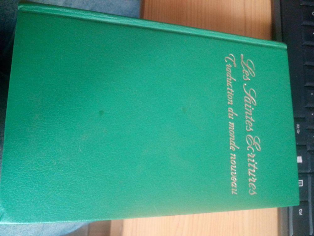LIVRE LES SAINTES ECRITURES 1974 10 Levainville (28)