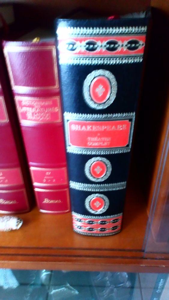 livre -théâtre complet SHAKESPEARE 0 Pompignac (33)