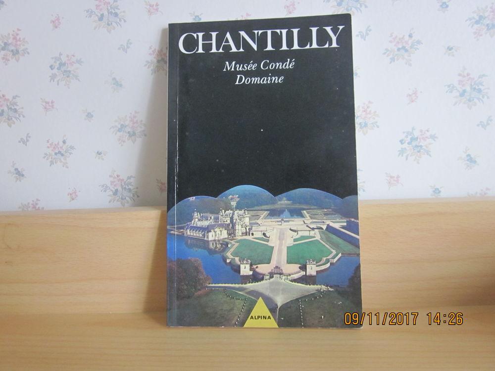 livre touristique CHANTILLY 1 Soucelles (49)