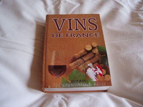 LIVRE DU VINS DE FRANCE 10 Challans (85)
