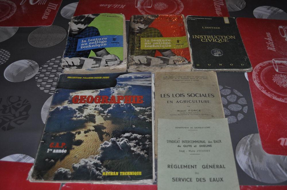 Lot de livres , anciens  10 Perreuil (71)