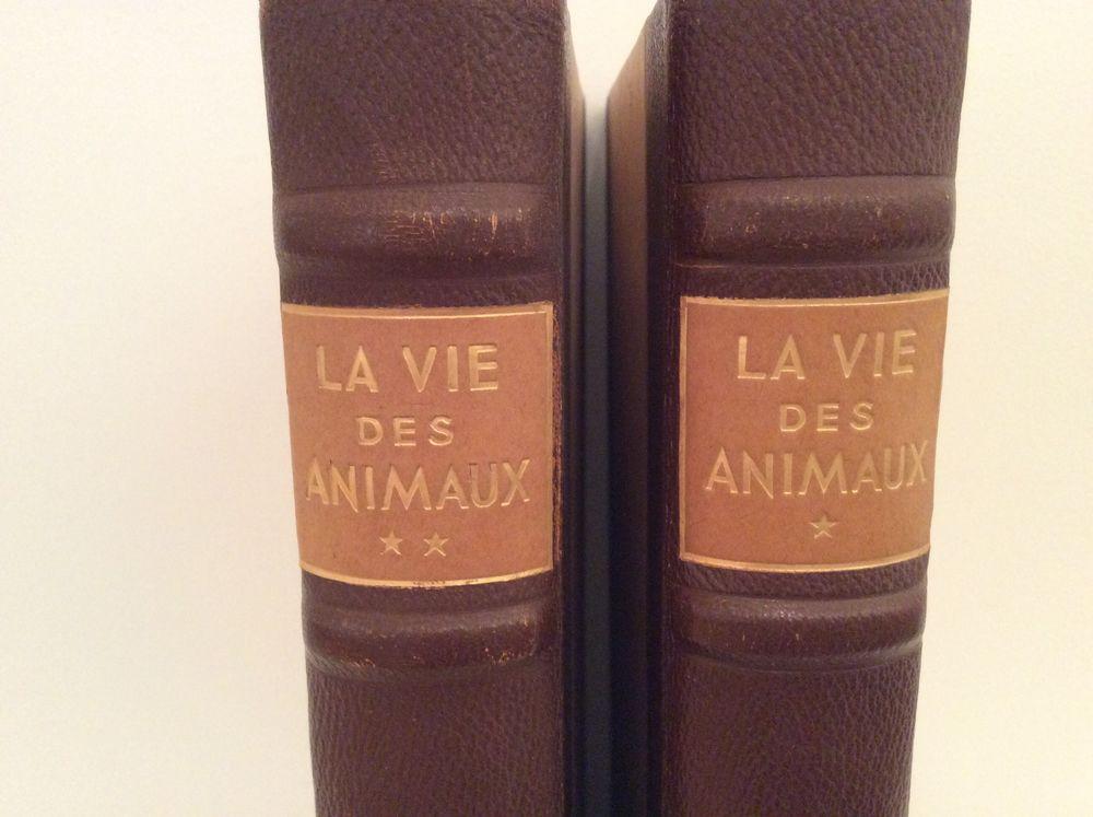 2 livres sur la vie des animaux  9 Château-Gontier (53)