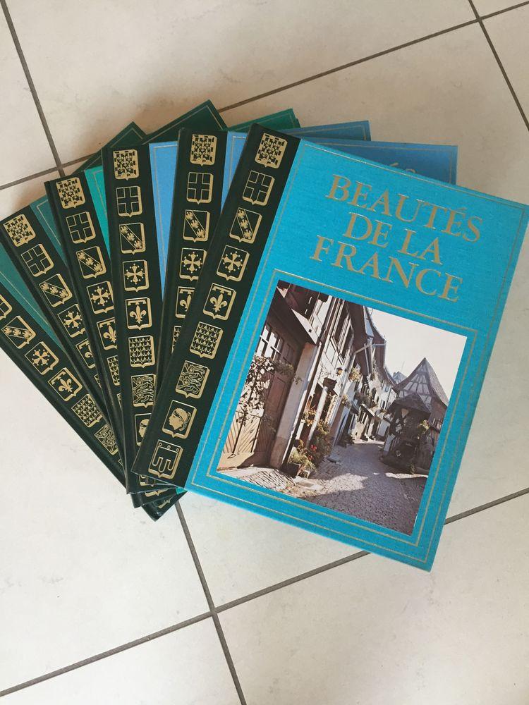 Livres  BEAUTÉS DE LA FRANCE  30 Le Mans (72)