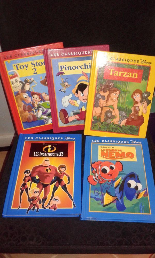 5 livres  Les Classiques Disney  20 Paris 19 (75)