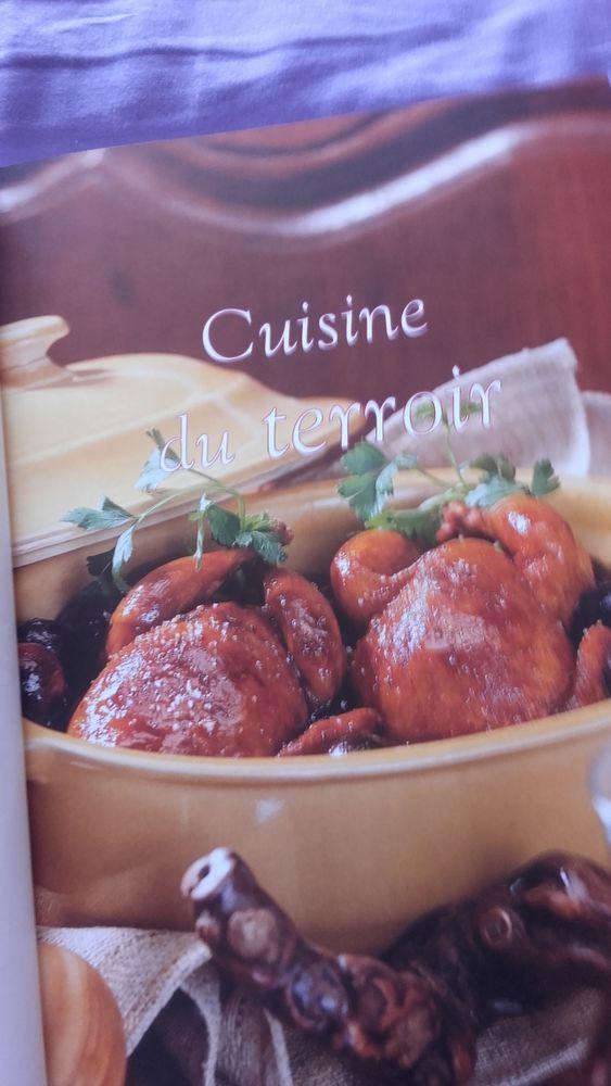 2 livres de cuisine, dessert et cuisine 10 Romillé (35)