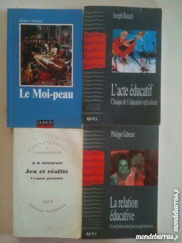 Livres Education Specialisée (DEES, DEME, DEAMP) Livres et BD