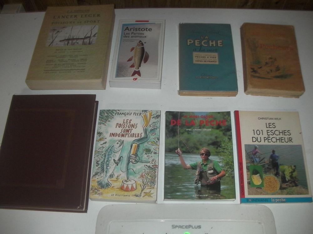 8 livres de pêche N° 197à 204 1 Roques (31)