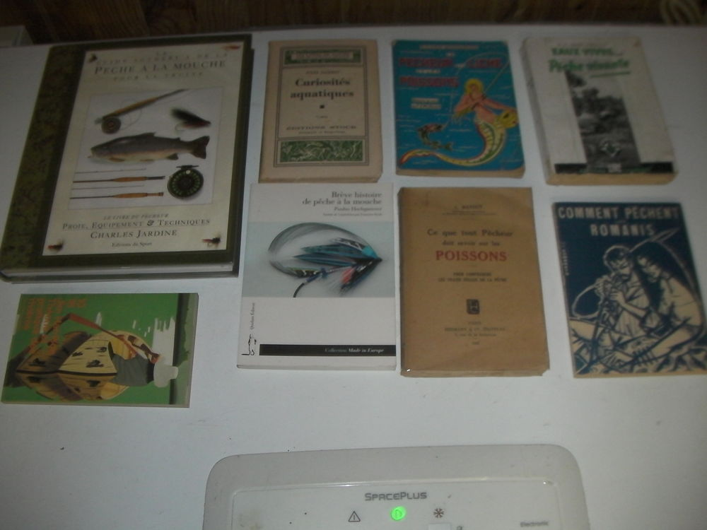 8 livres de pêche N° 205 à 212 1 Roques (31)