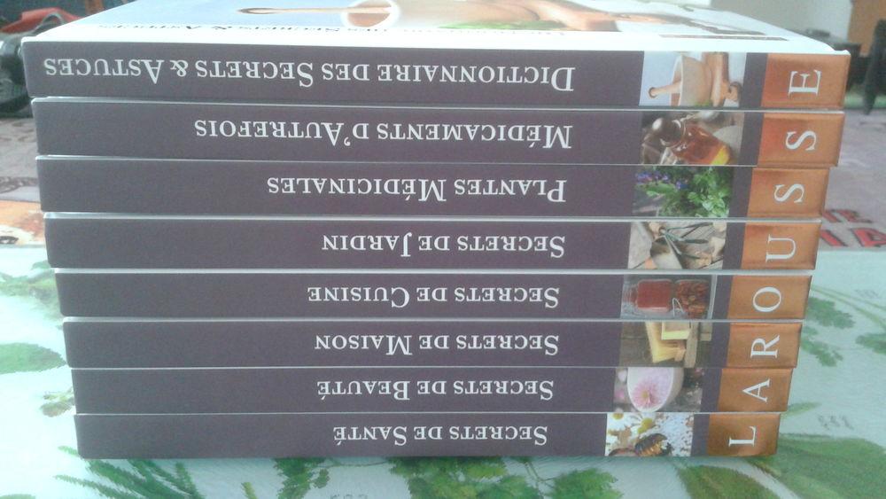 8 livres de poche LAROUSSE 5 Égly (91)