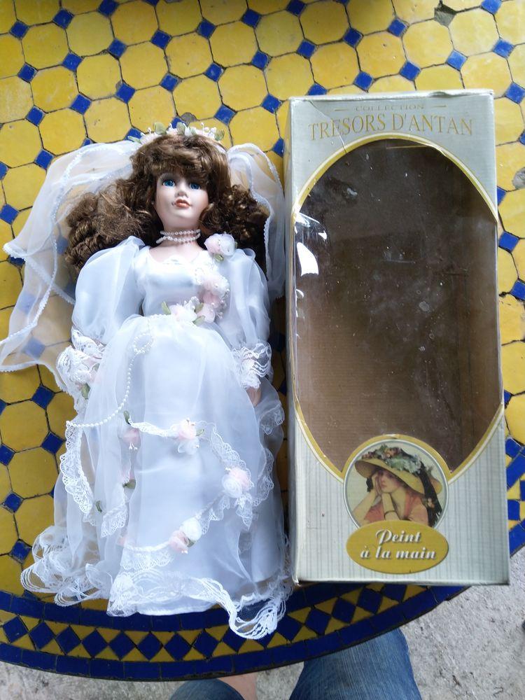 livres et poupée de collection 0 Roquedur (30)