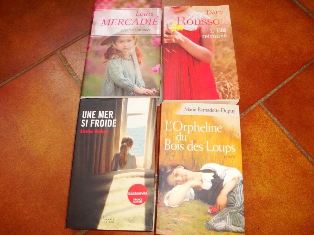 4 Livres roman 12 Nimes (30)