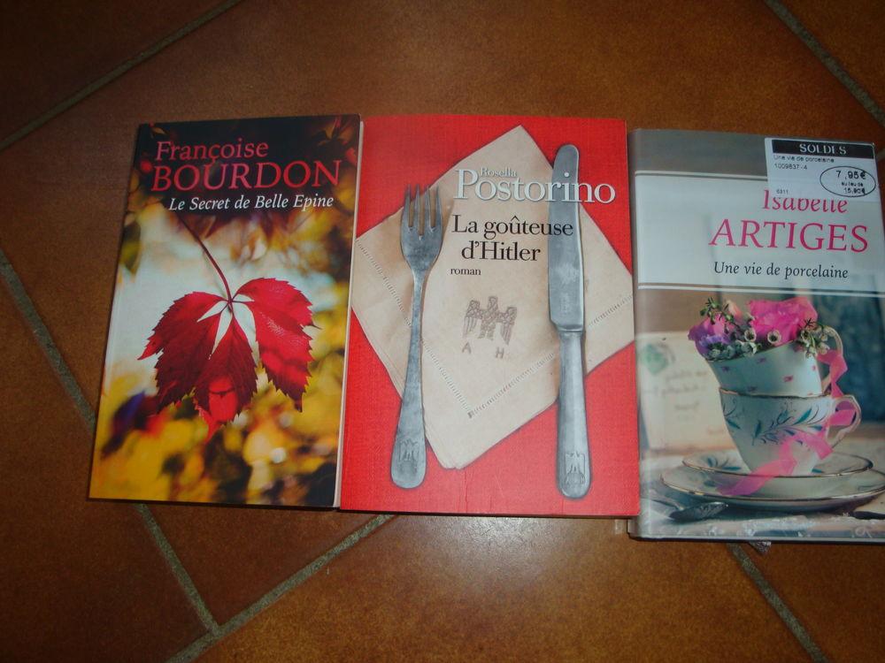 2 Livres roman 6 Nimes (30)