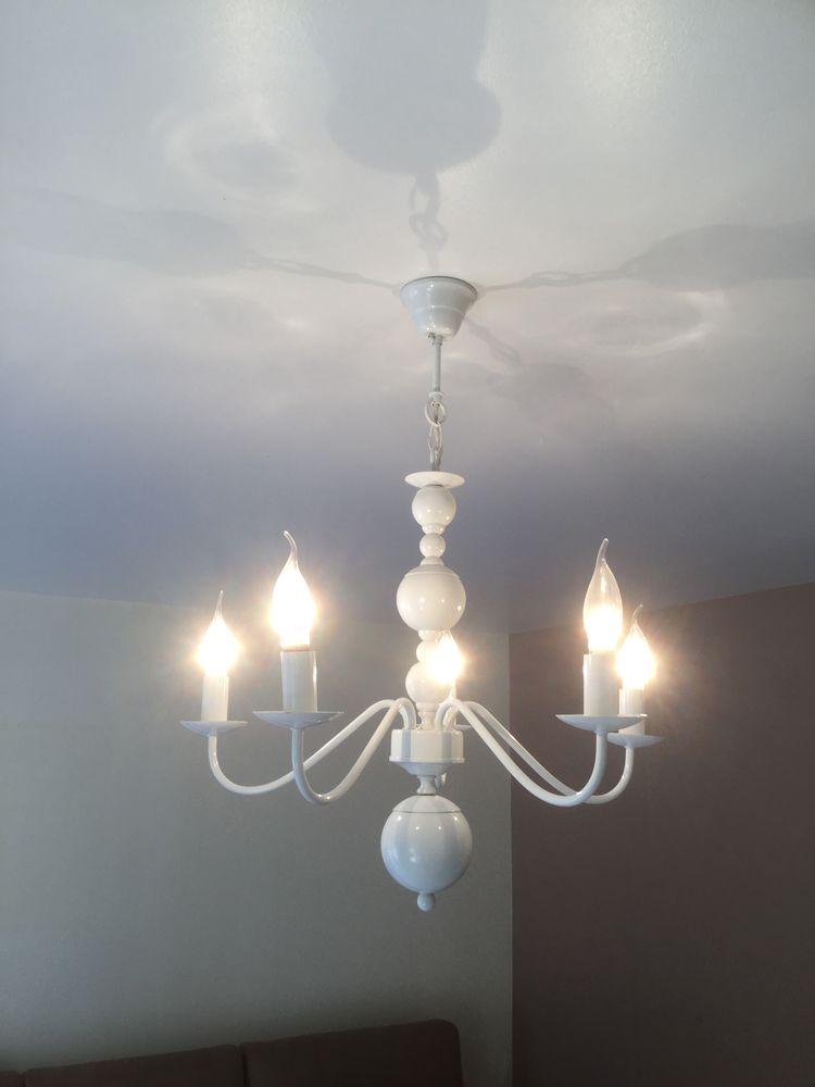 Luminaire blanc laqué  50 Grigny (91)