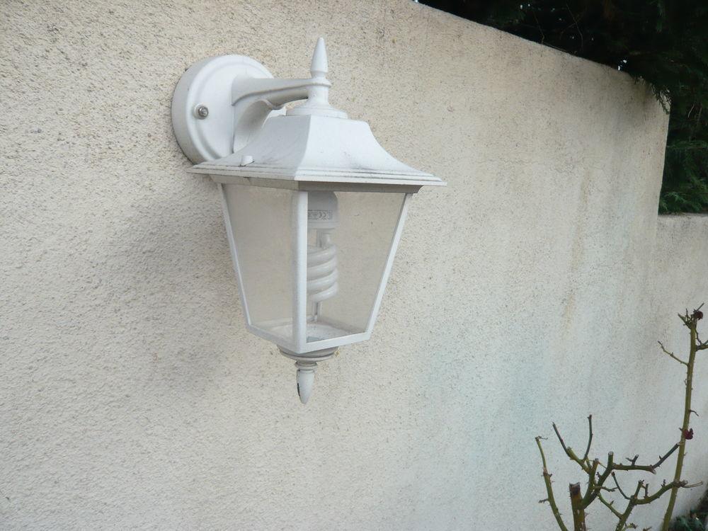 Luminaires appliques extérieur alu blanc  5 Rognac (13)