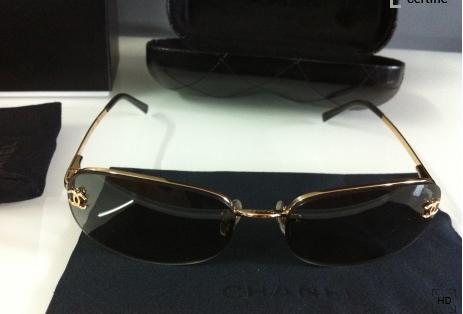 285abe73380df lunette de soleil femme de la marque Chanel Bijoux et montres