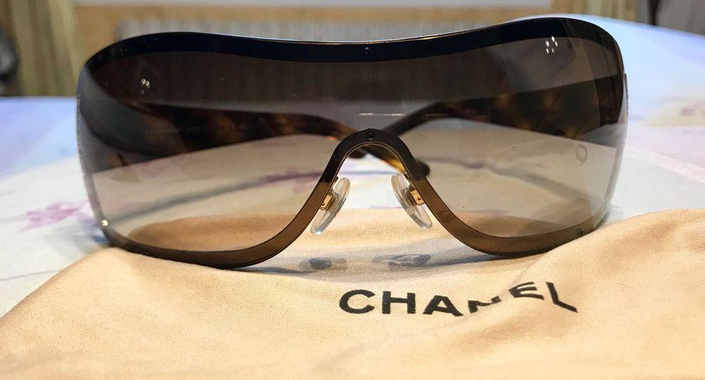 Achetez lunettes de soleil occasion, annonce vente à La Valette-du-Var (83)  WB158789983 5ec60f80e719