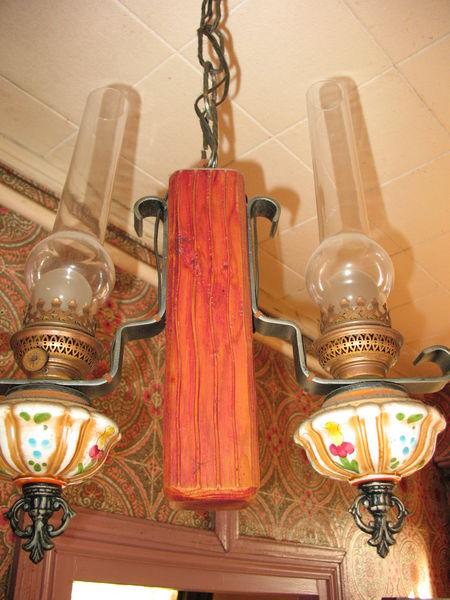 Lustre de cuisine ou d'entrée de marque Caillaux. Décoration