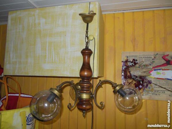 lustre  3 globes en bois et   laiton    12 Nevers (58)