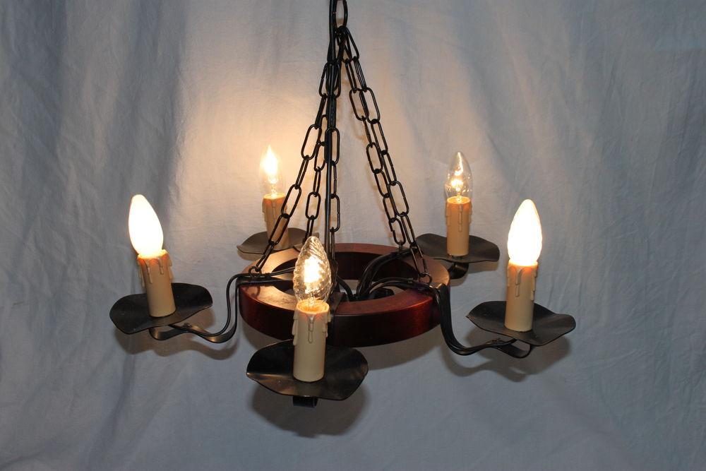 Lustre à 5 lampes  16 Montigny-Lencoup (77)