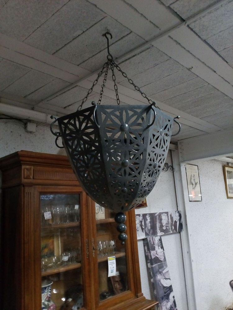 Lustre métallique style oriental Décoration