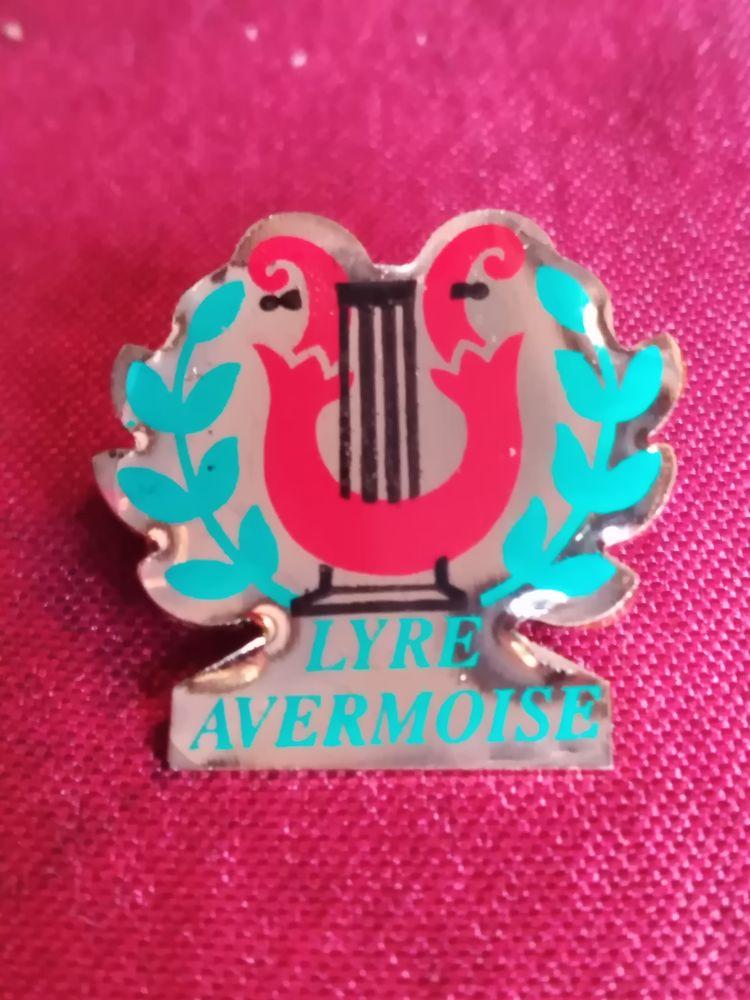 Pin's lyre avermoise  2 Avermes (03)