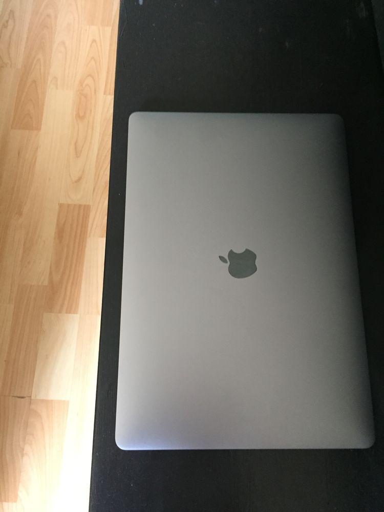 MacBook Pro 2019 15  1850 Paris 19 (75)