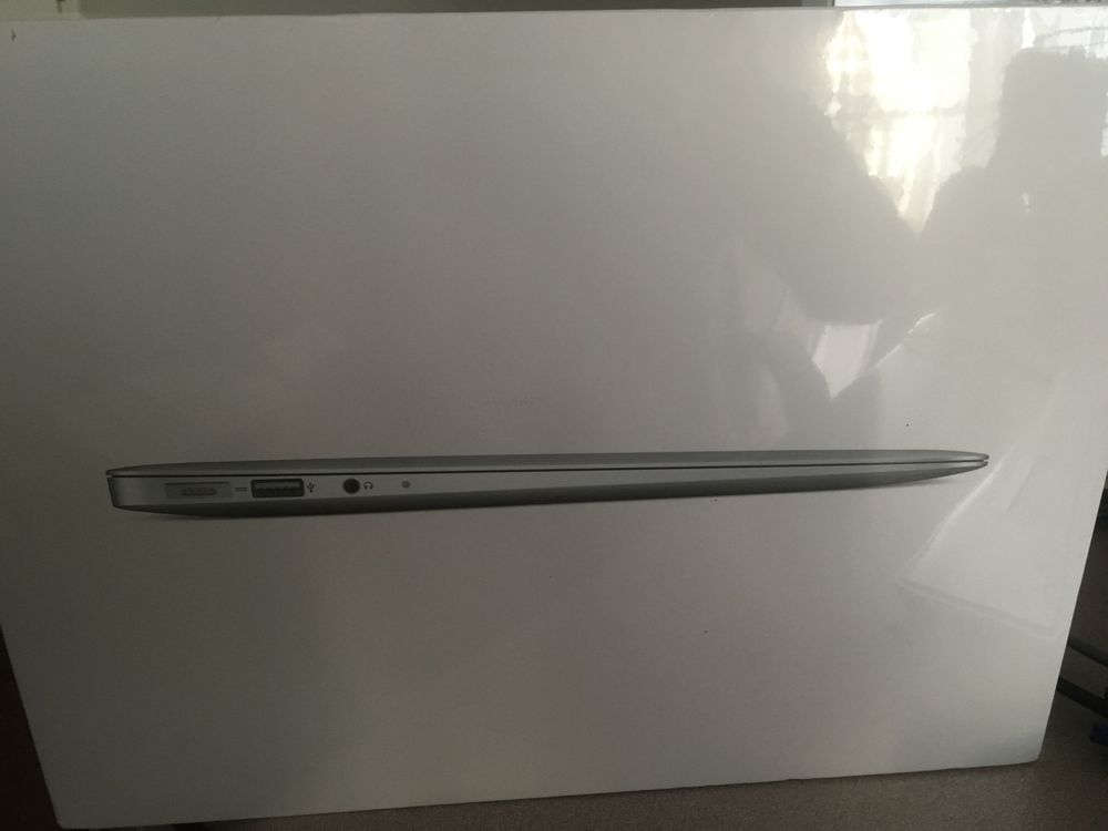 MacBook Air Neuf 13  i5 1,8GHz SSD 128Go RAM 4Go  550 Issy-les-Moulineaux (92)