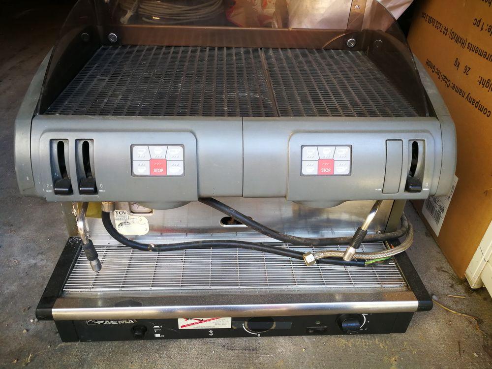 Machine à café Pro marque  FAEMA d'occasion  400 Lyon 2 (69)