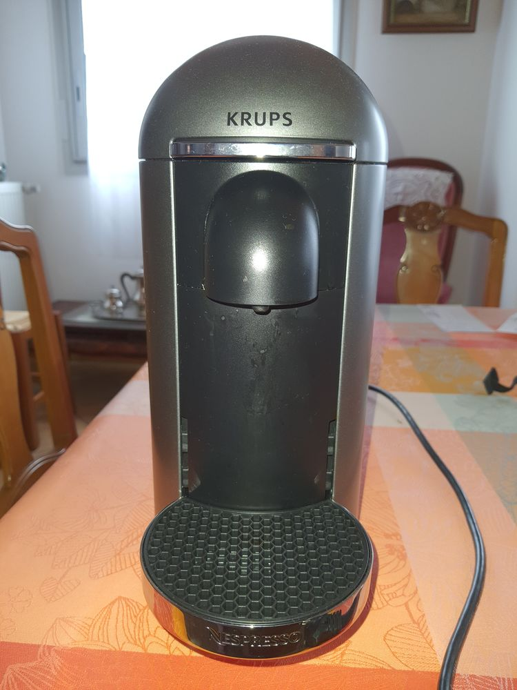 MACHINE A CAFE NESPRESSO - MODELE VIRTUO 150 Chelles (77)