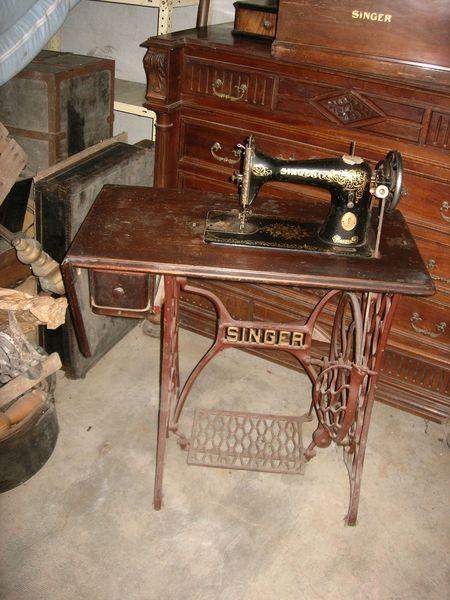 ancienne machine coudre singer ancienne machine coudre portative singer k lampe fonctionne. Black Bedroom Furniture Sets. Home Design Ideas