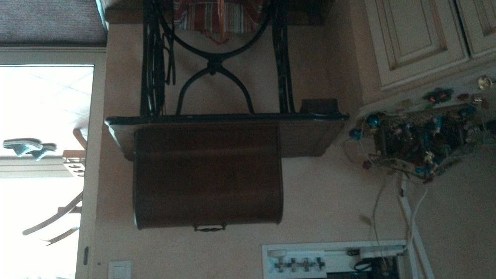 machine a coudre ancienne 140 St Aygulf (83)