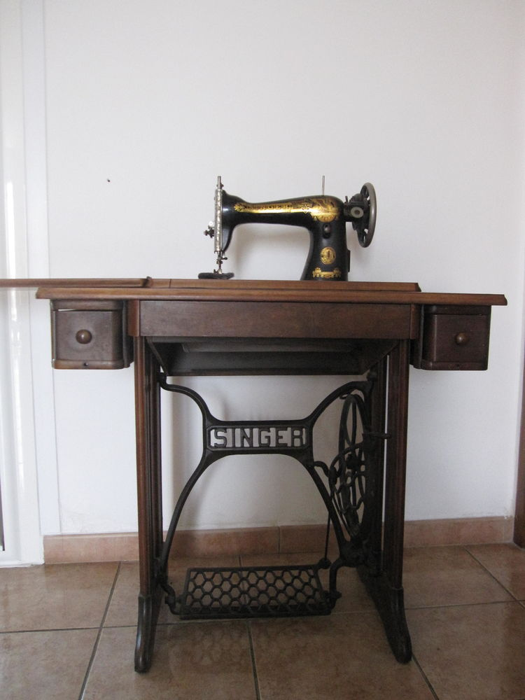 MACHINE A COUDRE ANCIENNE MARQUE  SINGER DE  1934 100 Istres (13)
