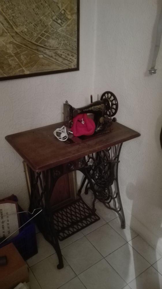 Machine a coudre ancienne 70 Saint-Rémy-sur-Avre (28)