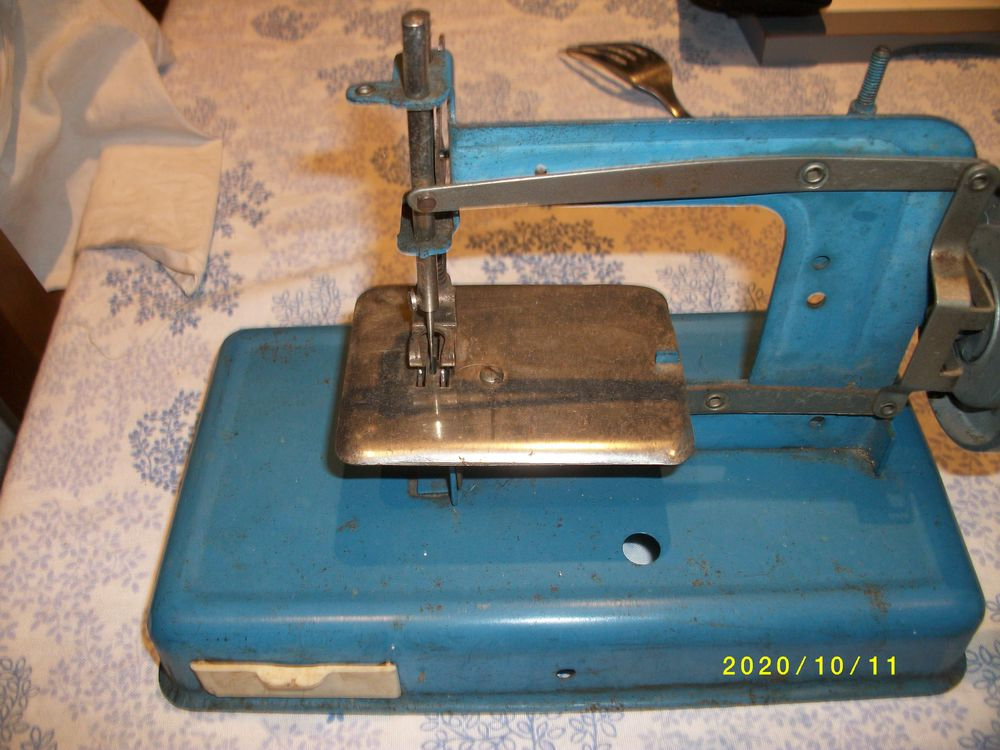 machine a coudre enfants collection 15 Treize-Septiers (85)