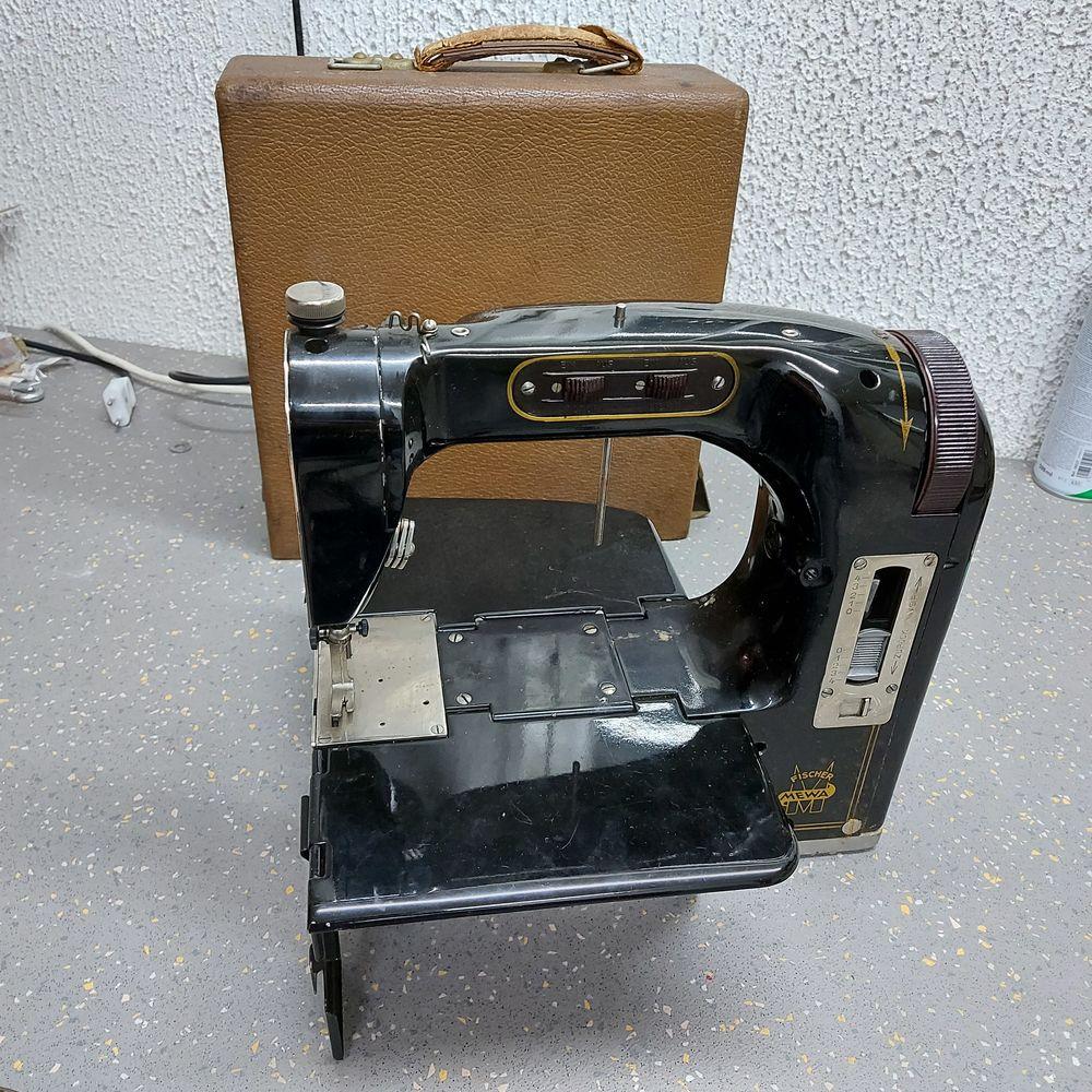 Machine à coudre Fischer Mewa année 50 50 Morangis (91)