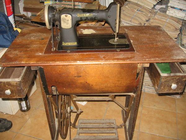 machine à coudre à pédale  0 Saint-Pierre-la-Cour (53)