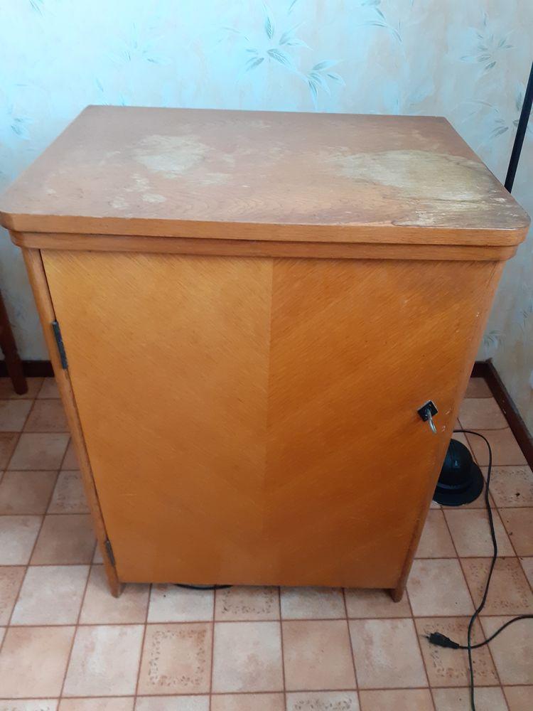 machine a coudre plus meuble  90 Saint-Hilaire-de-Chaléons (44)