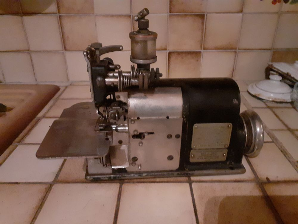 machine a coudre 1600 Nevers (58)