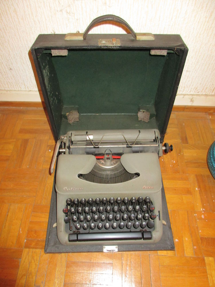 machine à écrire ancienne 0 Obernai (67)