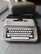 machine à écrire OLIVETTI pour collectionneur.