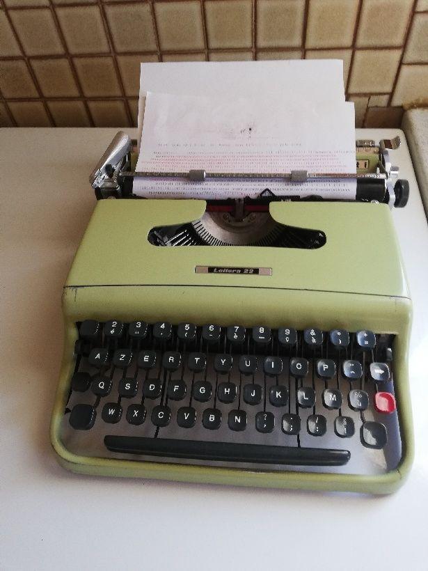 machine à écrire Olivetti 75 Trun (61)