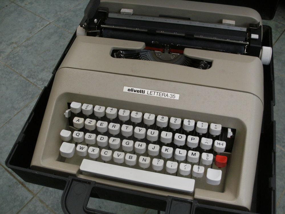 machine a ecrire olivetti lettera 35 55 Rablay-sur-Layon (49)