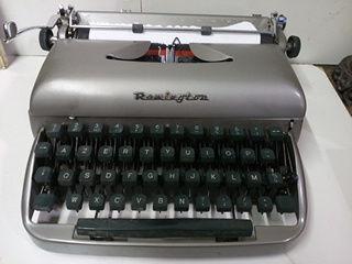 Machine à écrire REMINGTON 50 Toulouse (31)