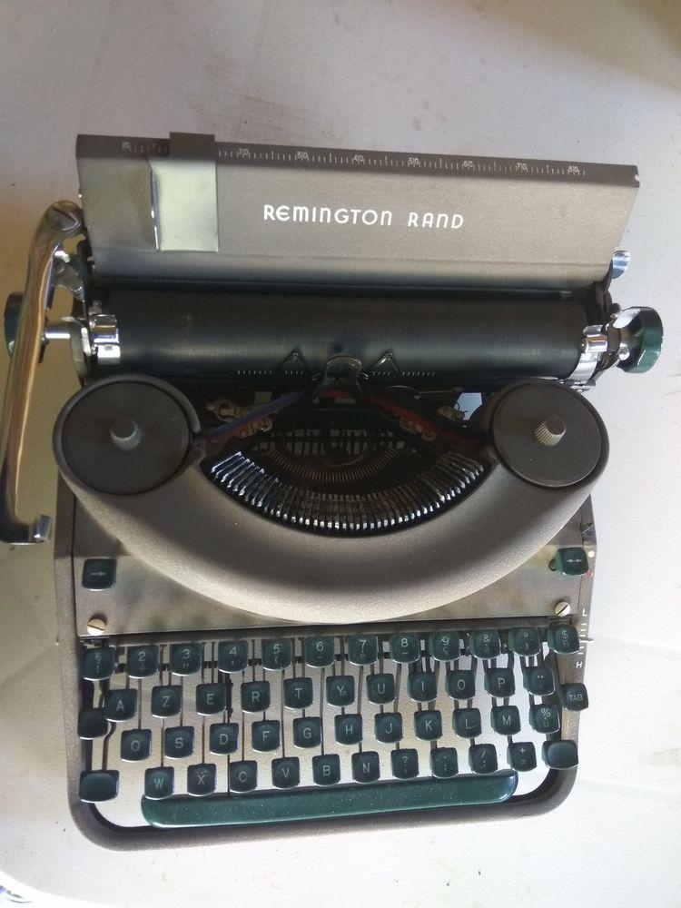 MACHINE  A  ECRIRE  REMINGTON  RAND 45 Laragne-Montéglin (05)