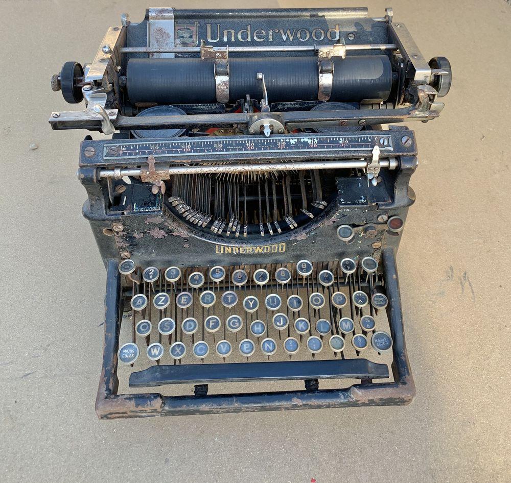 Machine à écrire UNDERWOOD de 1929 90 Auxerre (89)